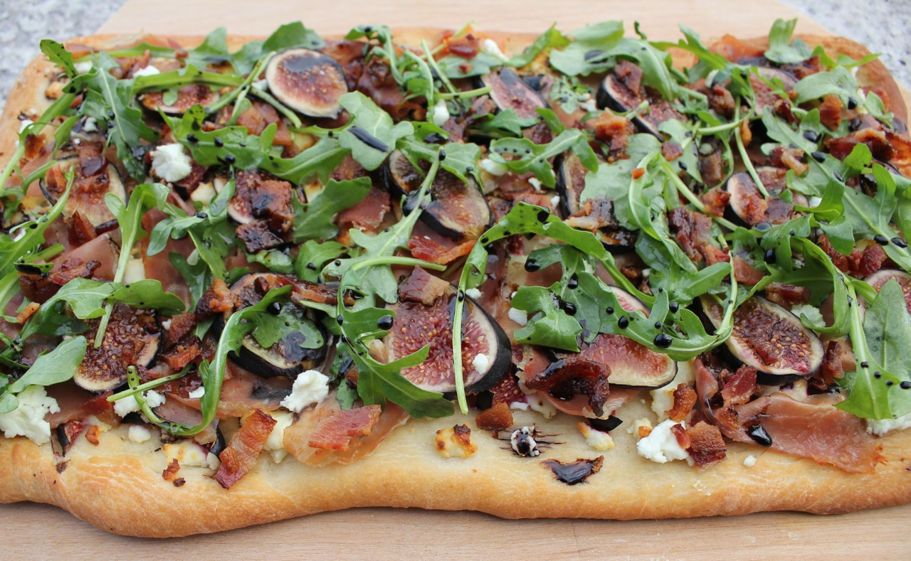 flatbread-with-figs-goat-cheese-and-prosciutto-14